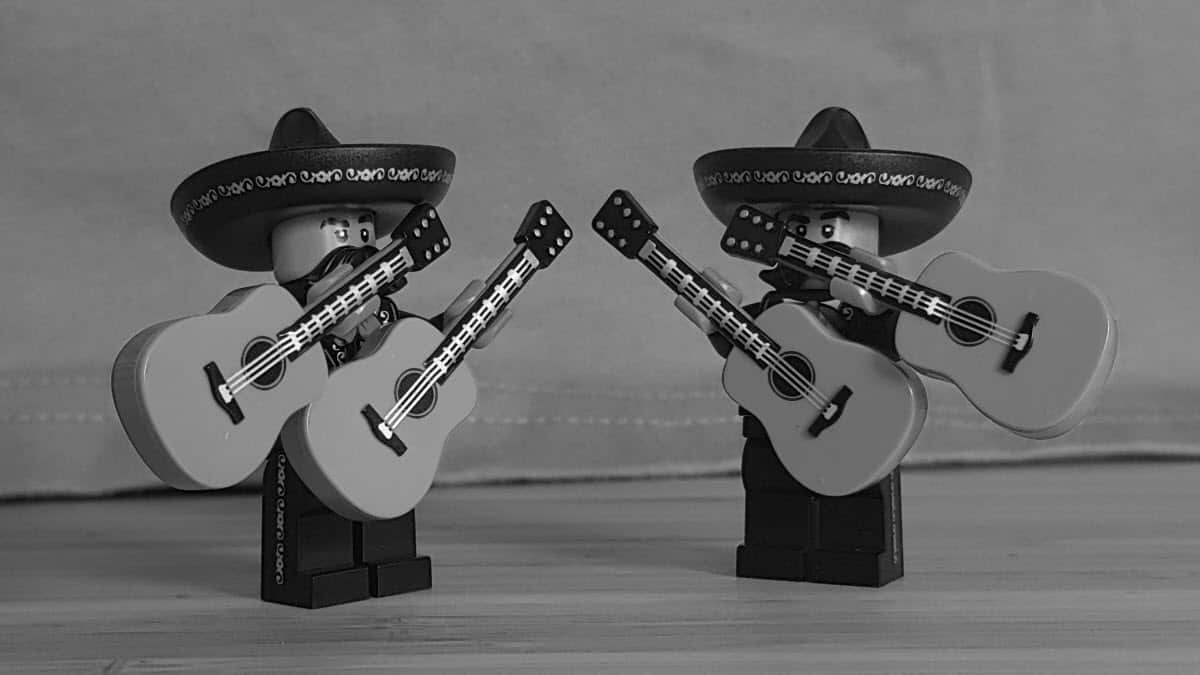 Lego + Isomers = the Mariachi-mers!